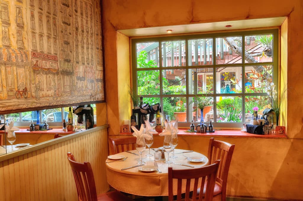 Bistro Beaujolais Restaurant Carmel By The Sea02