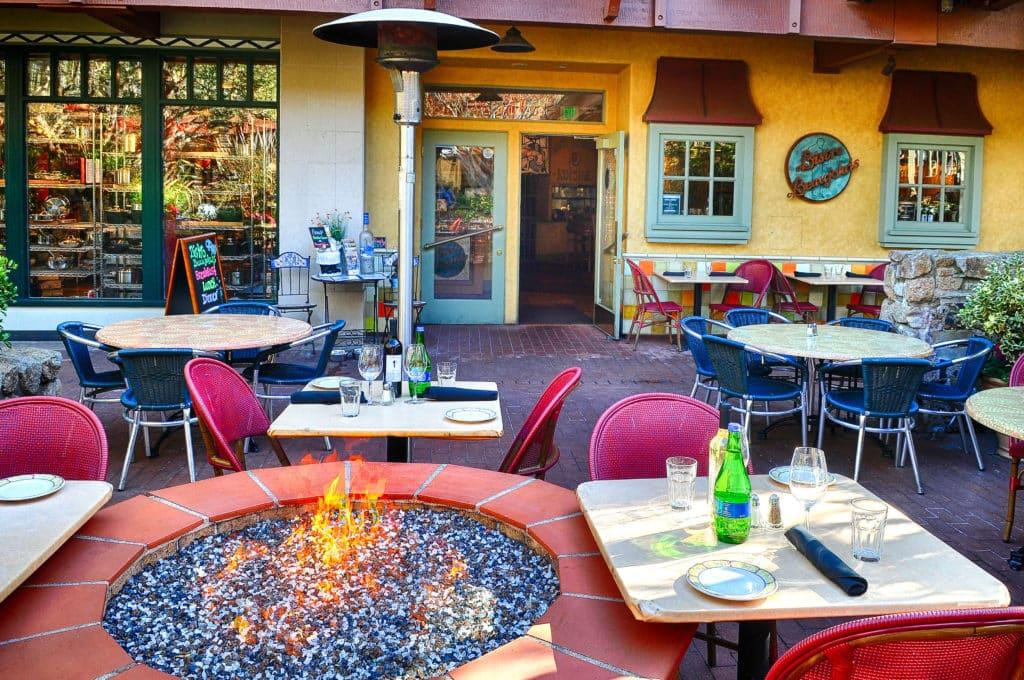 Bistro Beaujolais Restaurant Carmel By The Sea05