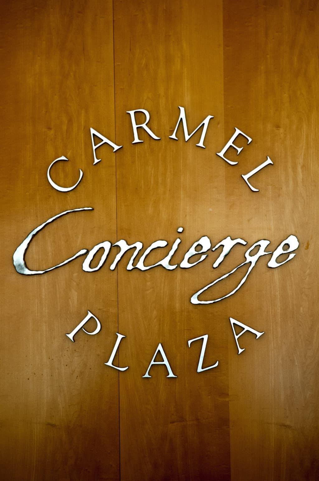 Carmel Plaza=08