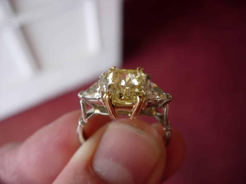 La Renaissance Yellow Diamond